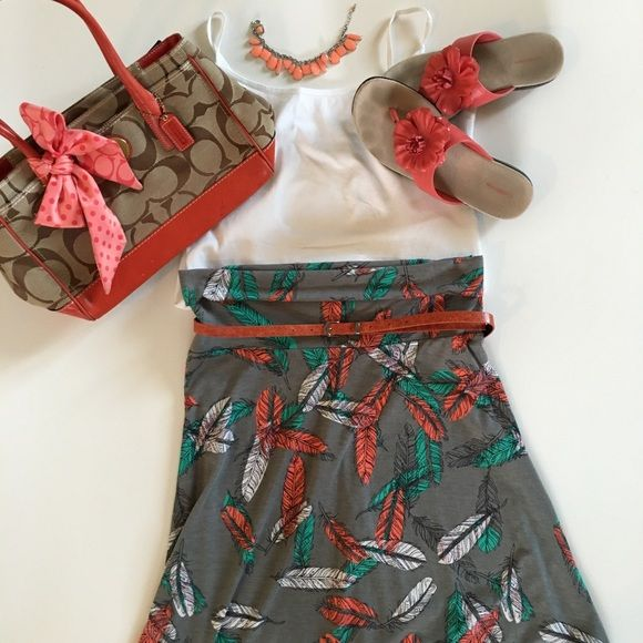 LuLaRoe Maxi Skirt or Strapless Dress Cute LuLaRoe maxi skirt! Unique feather details, perfect for spring! Can also be worn as a strapless dress!! Size medium. LuLaRoe Skirts Maxi