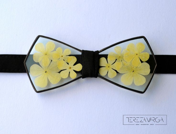 Stylish and unique glass bowtie. Accessory with real flower petals inside. Hand made in Tiffany technique.  Unisex.