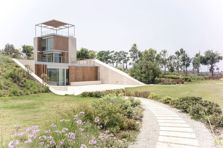 Gallery of Aamchit Courtowers / Hashim Sarkis - 1