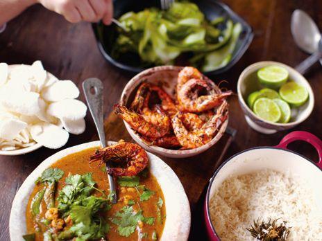 Röd curry med räkor och papayatallrik | Recept.nu