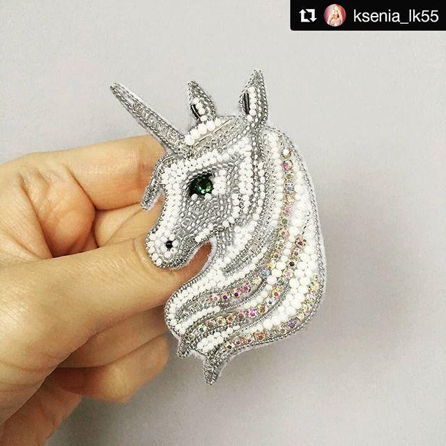 #Repost @ksenia_lk55 (@get_repost) ・・・ Приветствую всех! У меня ещё один заказной единорожек. Я знаю, что мои заказчицы мудрые и просветленные личности, а ещё очень добрые . #брошьединорог#handmade_ru_jewellery#unicorn