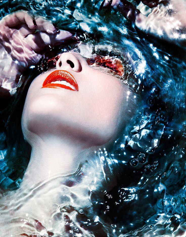 "Michael David Adams  Atelliê Fotografia – Os 10 melhores fotógrafos de ""Underwater Fashion"""