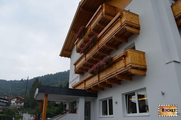 http://www.booking.com/hotel/at/vier-jahreszeiten-gmbh.ro.html?aid=350305