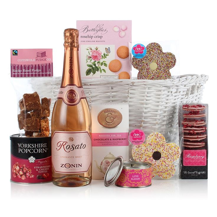 BASKET FOR THE LADIES Luxury Hamper - It's time to spoil her with the unique Basket for the Ladies Luxury Hamper! Whether its for Mother's Day, her Birthday or just to say 'thank you', this luxury food hamper is full to the brim with delicious treats and goodies that will make your chosen lucky recipient feel super-pampered and ultra-appreciated.