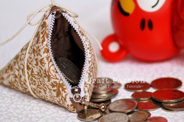 triangle coin purse tutorial (craft passion) #triangle_coin_purse #coin_purse #zipper #sew #sewing #triangle #craft_passion