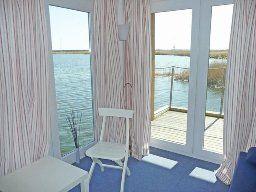 Hausboot für 4 Personen in Kröslin nahe Usedom an der Mecklenburgischen Ostseeküste.