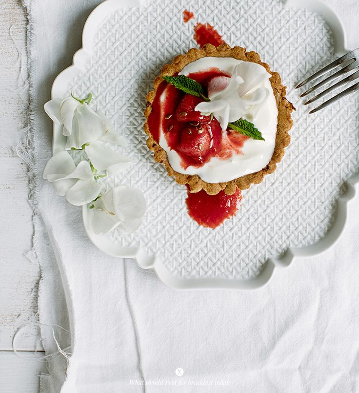 Almond tart with strawberry and lemon compote