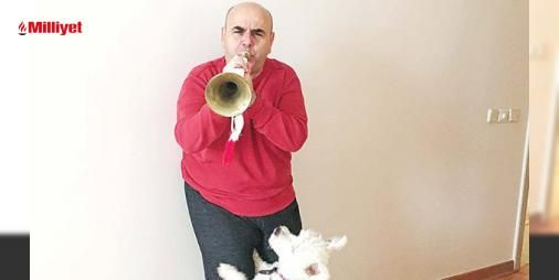 Nedim Saban komşularını çıldırttı : Yeni oyunu Ahududu için borazan çalmayı öğrenen Nedim Saban komşularının ve köpeği Pinyonun evdeki gürültüden rahatsız olduğunu söyledi.Ünlü oyuncu Umarım öğrenirim ve komşularımın çektiği çileye değer şeklinde konuştu. (Sözcü)...  http://www.haberdex.com/magazin/Nedim-Saban-komsularini-cildirtti/102339?kaynak=feed #Magazin   #Saban #Nedim #Umarım #öğrenirim #oyuncu
