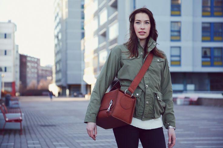 Kameralaukku, super mukava/kasper 360€ finnish design