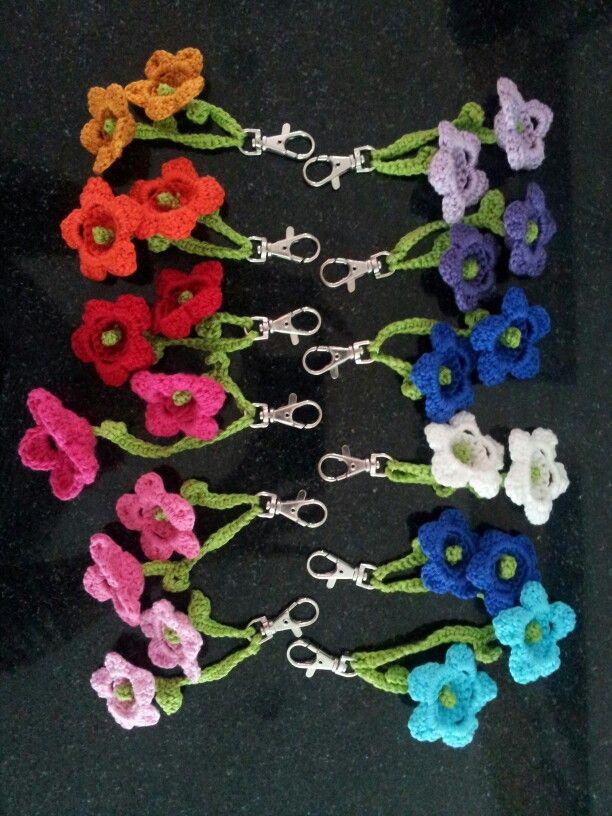 Gehaakte bloem sleutelhangers