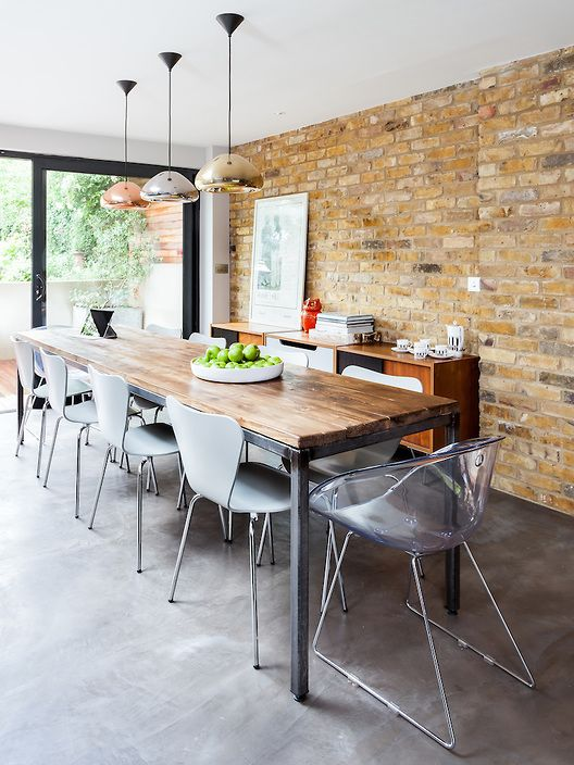 Simon Maxwell Photography Exposed brick and brushed concrete floor (dark grey)