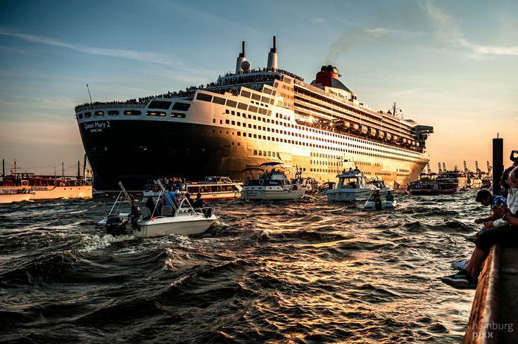 Tschüß, Queen Mary 2 #Hamburg #EuropaPassage #EuropaPassageHamburg