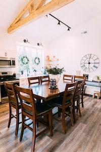 Ivy Cottage Hocking Hills Barndominium Logan In 2020 Barndominium Barn Style House Vaulted Ceiling Kitchen