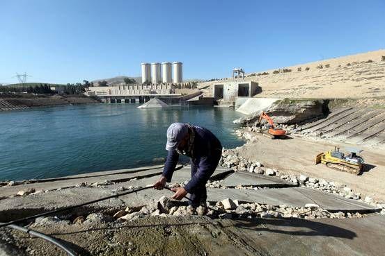 U.S. Plays Up Growing Risks at Mosul Dam #World #iNewsPhoto
