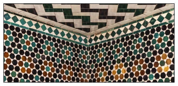 https://flic.kr/p/GduiFt | Reales Alcázares de Sevilla | El recinto ha sido habitualmente utilizado como lugar de alojamiento de los miembros de la Casa Real Española y de jefes de Estado de visita en la ciudad, siendo el palacio real en activo más antiguo de Europa, como recoge la Unesco.