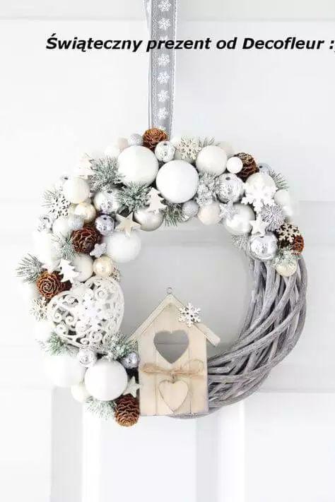 Acolhendo o Advento com uma coroa na porta – fazendo guirlanda de Natal   – Wohnen
