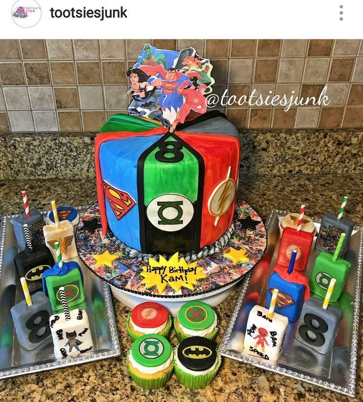 Best 25+ Justice League Cake Ideas On Pinterest