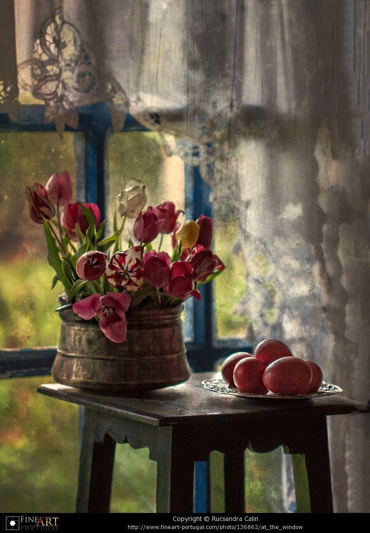 lace curtains, cottage flowers