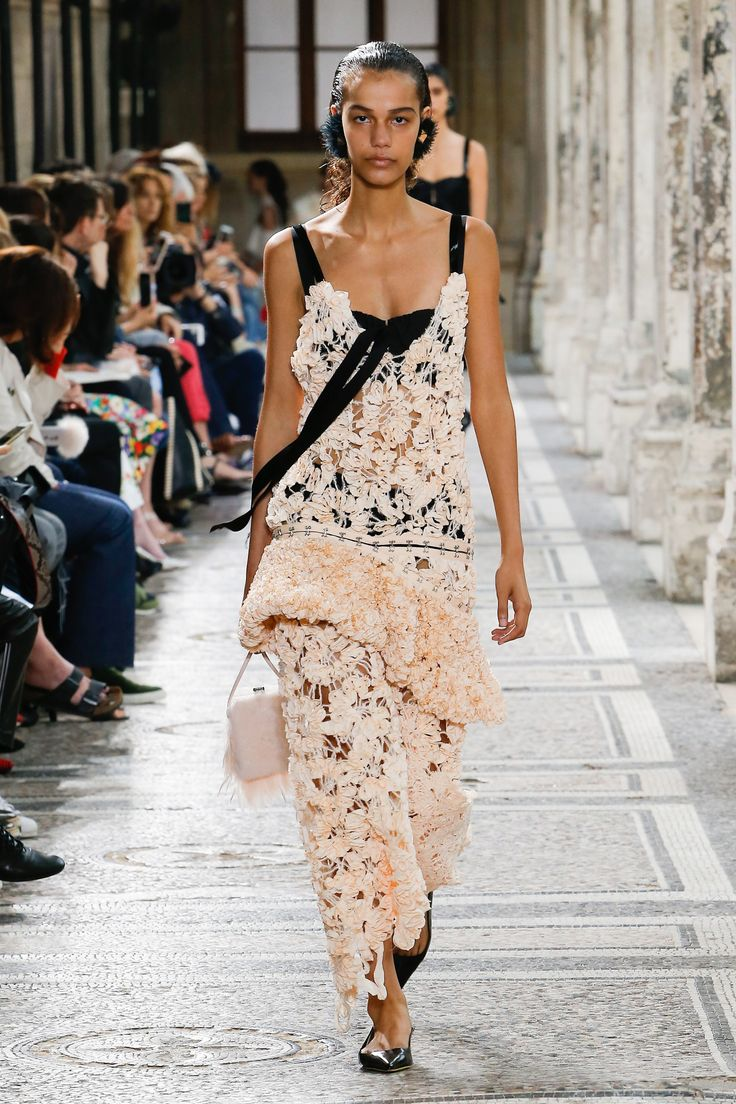 Proenza Schouler Spring 2018 Ready-to-Wear Fashion Show - Shelby Hayes
