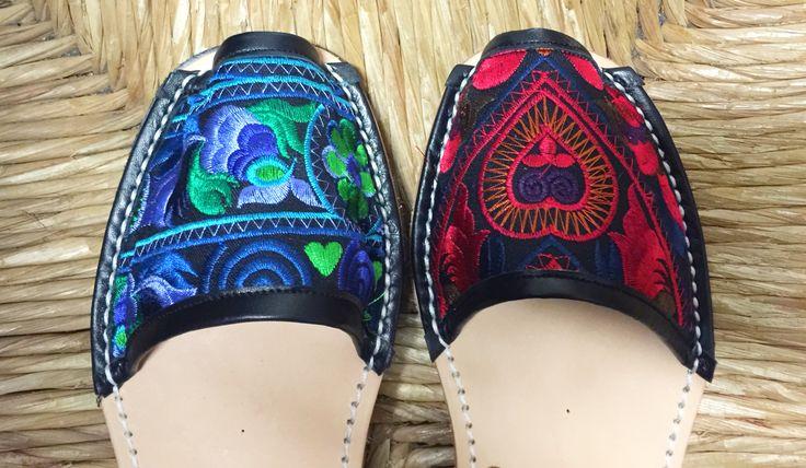 Os gustan para verano? Muy pronto en nuestra tienda online!!! #avarca #madeinmenorca #ethnic #ethnique #ethniquechic #avarcas #chic #summer #red #blue #exitazo #thai #embroidery #bordado #shoes #sandals #fashion #commingsoon #menorca