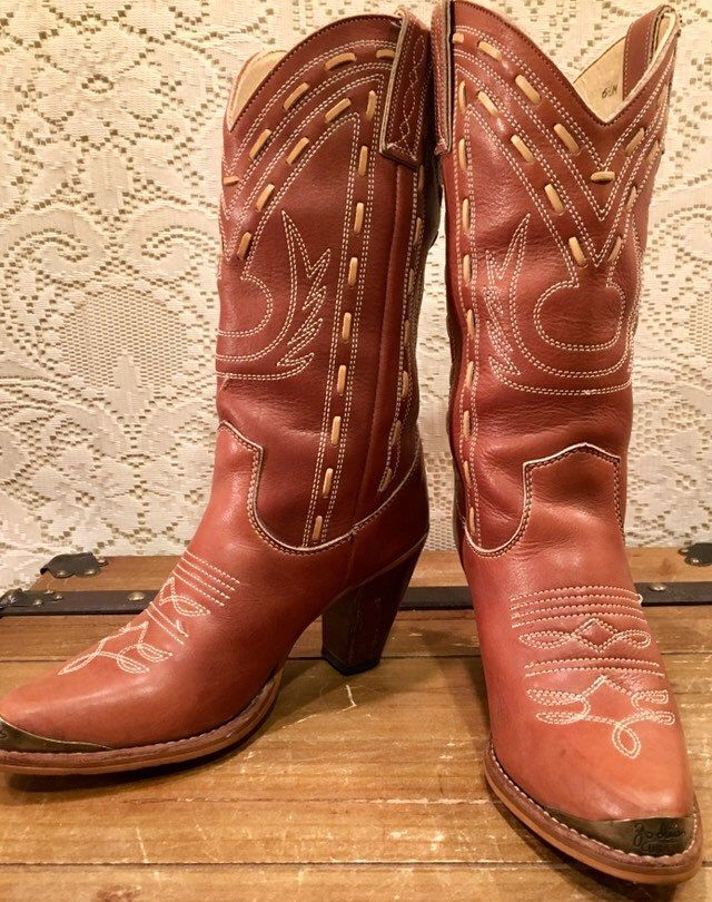 1b1b43217e800 Brown Stiched Zodiac Cowgirl Boots size 6 1/2M in 2019 | Vintage ...