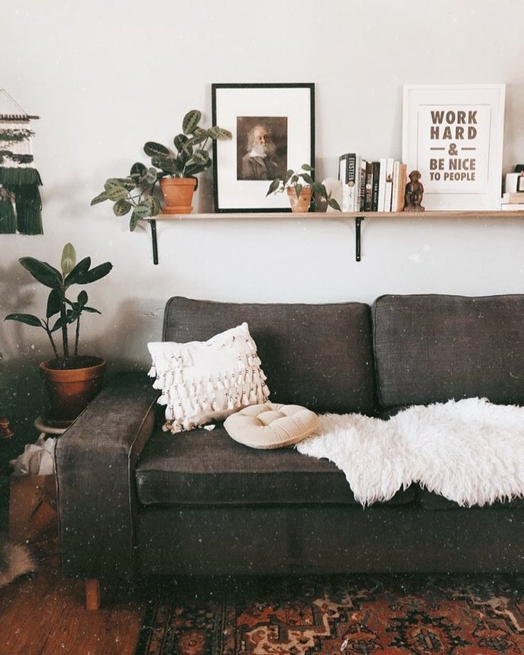 Shelf Above Couch Abovecouch Couch Shelf Wohnzimmer Regal Regal Hinter Der Couch Kleine Wohnzimmer