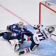 Ice hockey championship quarter final: Adler Mannheim vs Eisbaere Berlin