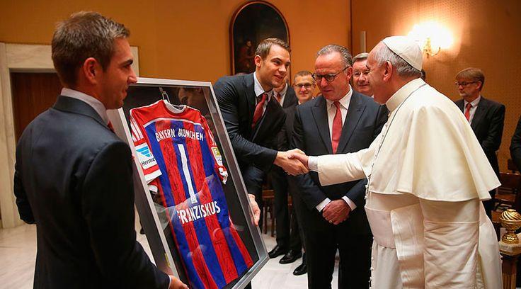 [FOTOS] Papa Francisco recibe al Bayern Munich en el Vaticano