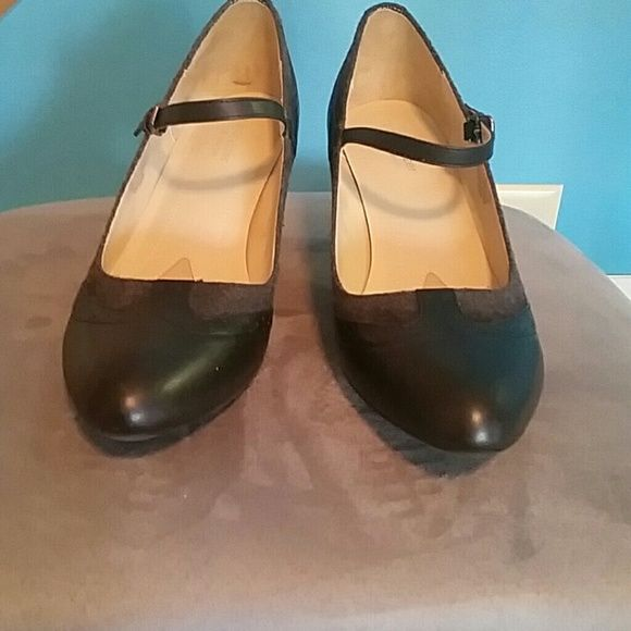 Naturalizer Mary Janes Like new, super cute and comfy, great business casual shoes Naturalizer Shoes Heels
