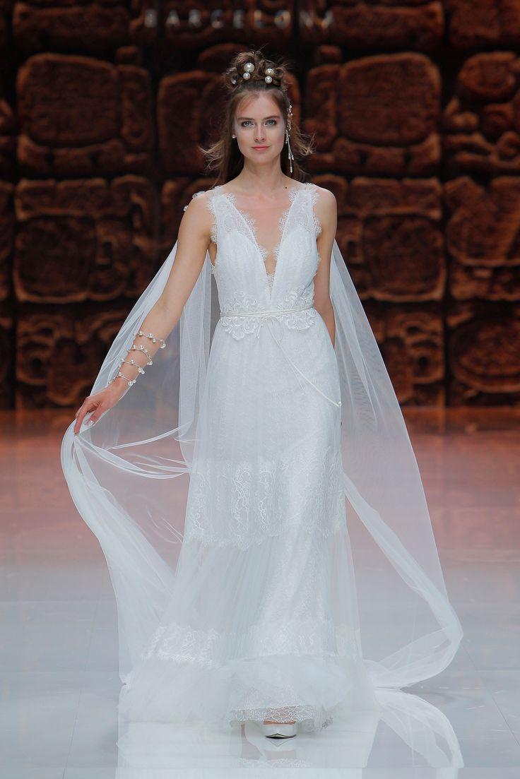 Mejores 21 imágenes de Vestidos de novia con capa en Pinterest