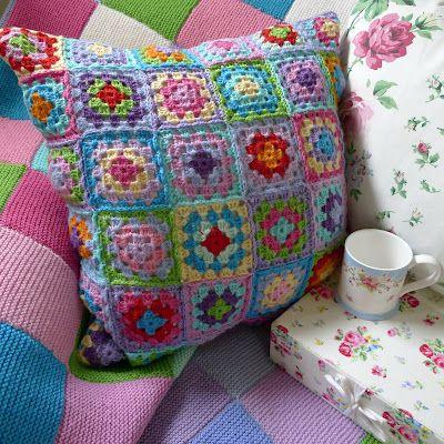 Mias Landliv: gorgeous granny pillow