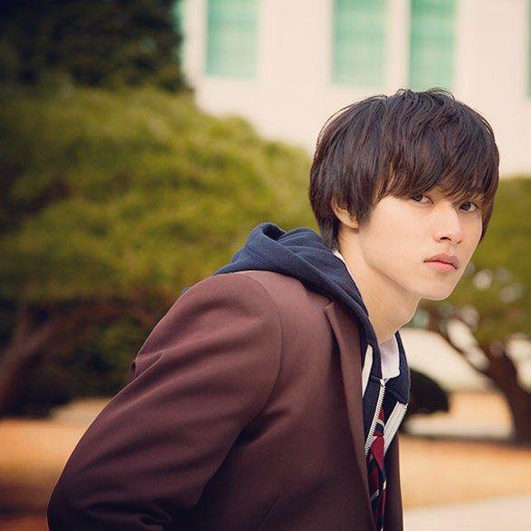 "[Trailer, feat. Kento] Sep/04/'15 https://www.youtube.com/watch?v=iOWhzviulVc    [Trailer, long ver] http://www.youtube.com/watch?v=8ebyrObQVFA      or [8 trailers, Official site] http://wwws.warnerbros.co.jp/heroine-shikkaku/   Kento Yamazaki, Mirei kiritani, Kentaro Sakaguchi, J LA, romcom ""Heroine Shikkaku"". Release: 09/19/2015.5."
