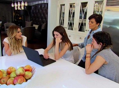 Keeping up with the kardashians live recap 2 23 14 season for Living with the kardashians full episodes