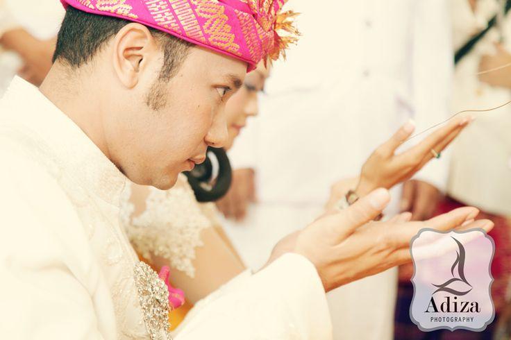 Wishing the bless # Balinese wedding photography