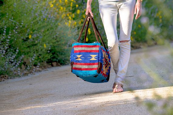 Gift Ideas: Handwoven Recycled Vintage Blanket Bag // Weekender Travel  #lovelivechai