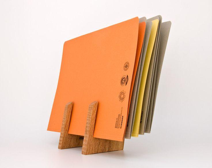 Titolare del file / File Organizer / Sorter / accessori da scrivania / File legno Rack FRITZ di lessandmore su Etsy https://www.etsy.com/it/listing/99359475/titolare-del-file-file-organizer-sorter