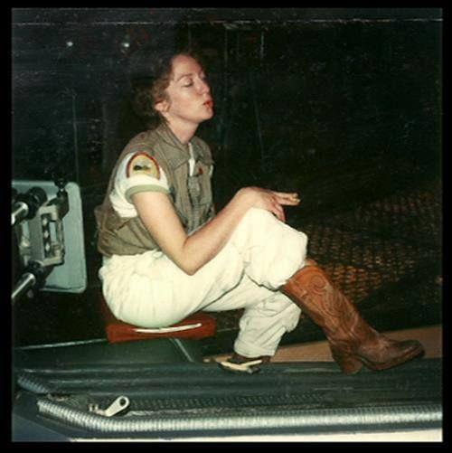 Veronica Cartwright as Lambert behind the scenes on the set of #Alien (1979).