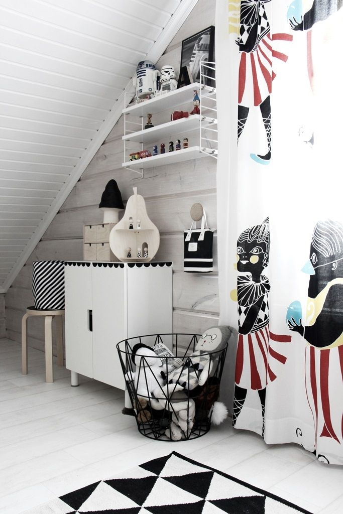 I'm all about black and white with a pop of color this looks so clean and organized my girls would be inspired to follow suite.
