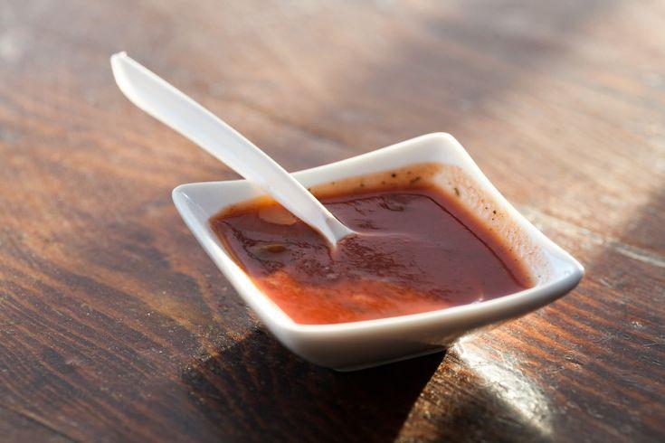 Rien de mieux qu'avoir une bonne recette de sauce BBQ maison unique et délicieuse sous la main. À mettre PARTOUT!