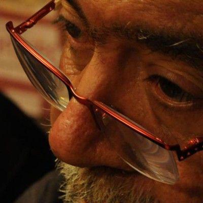 Σωτήρης Παστάκας: Ως ποιητής μ' αρέσει να σπάζω τα δάχτυλά μου