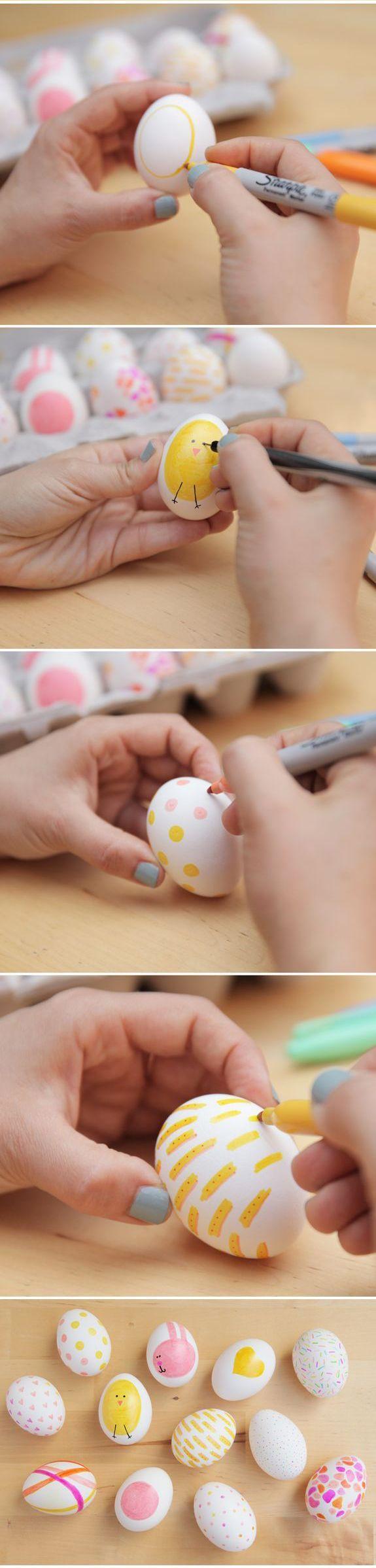 composizione di uova di pasqua decorate