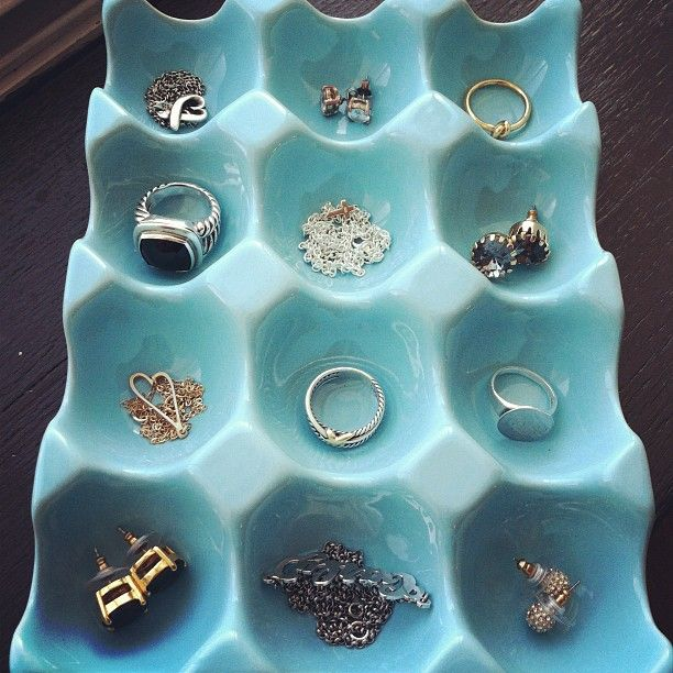 DIY Anthropologie egg crate as jewelry organizer - I don't see why I can't make my own!