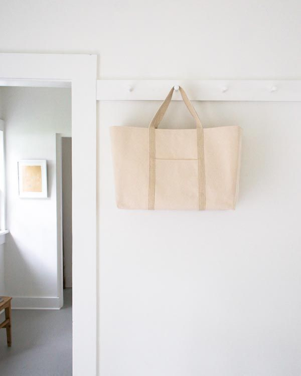 The Purl Bee Big-Boat-Tote-Kit Made from Purl Soho's ultra thick 24-ounce Canvas and tough 1-inch Hemp Webbing, built to last a lifetime! (Instructions)