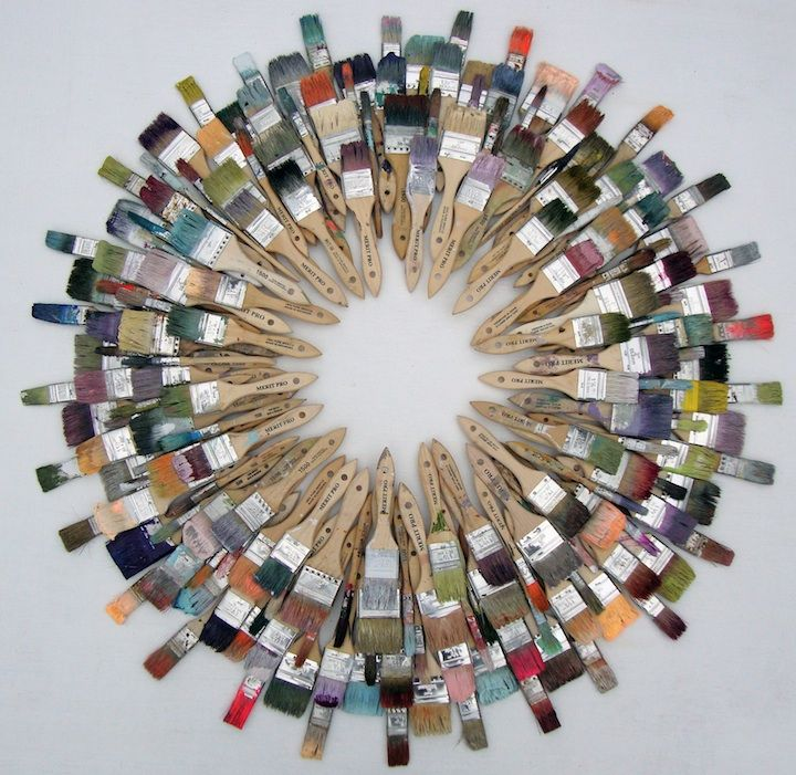 #reused paintbrush #wreath - that's cool!