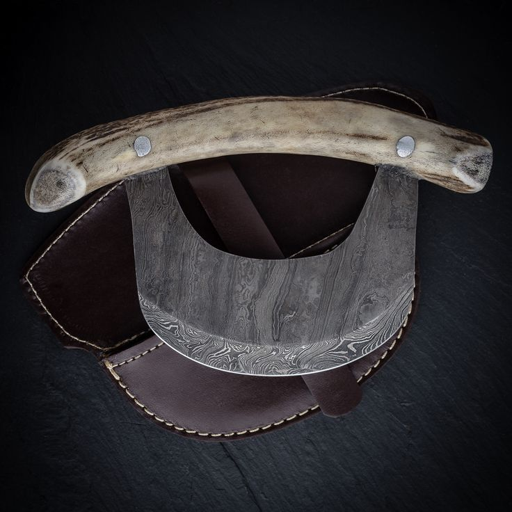 Custom made, hand forged, Damascus steel Ulu knife with Stag Horn handle.