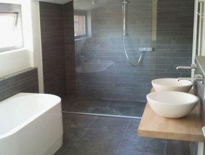 Les 25 meilleures id es concernant salles de bains gris for Salle de bain carrelage gris fonce