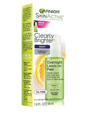 Gently evens skin tone and minimizes the look of dark spots.