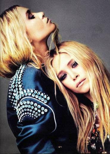 Elle com as irmãs Olsen