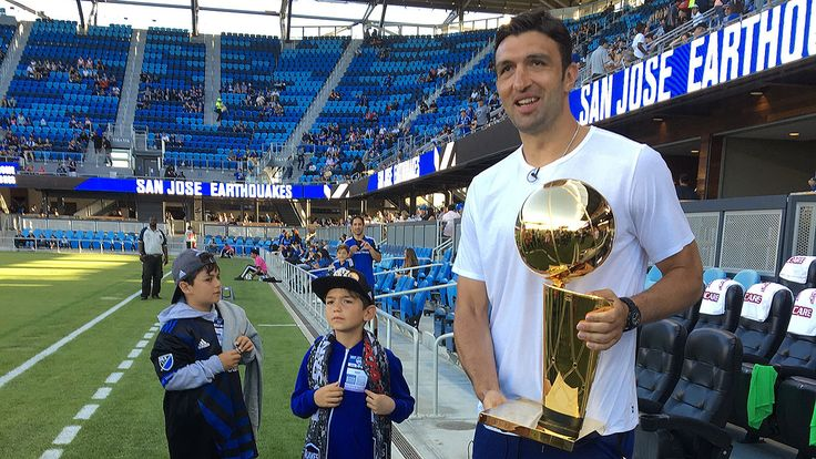 Zaza Brings Larry to an Earthquakes Game