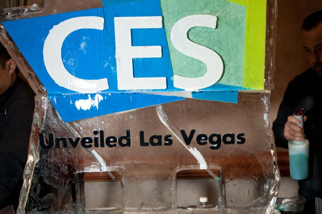 CES 2015 Liveblog Day 2: Strap on Some Wearables and Join the Party